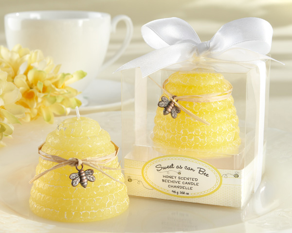 """SWEET AS CAN BEE"" HONEY-SCENTED BEEHIVE CANDLE"