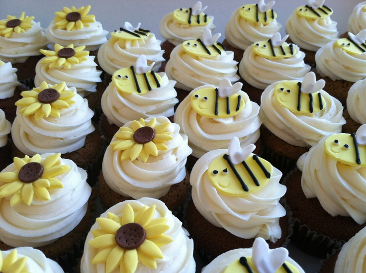 Make Your Own Boutique Style Baby Shower Cupcakes